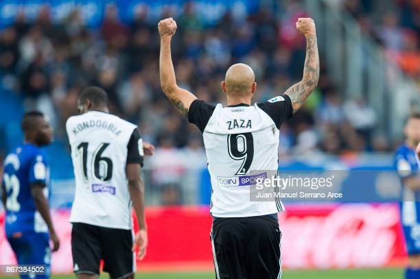 Simone Zaza of Valencia CF celebrates after scoring goal during the La Liga match between Deportivo Alaves and Valencia CF at Estadio de Mendizorroza...