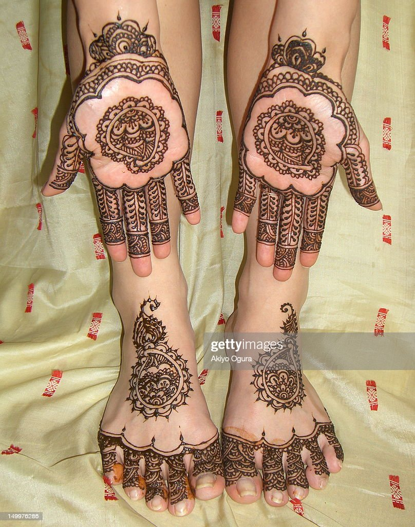 Simple bridal henna design : Stock Photo