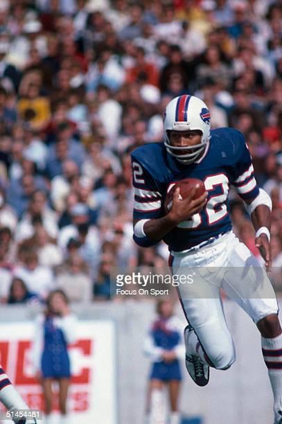 J Simpson of the Buffalo Bills on October 1975 in Buffalo New York