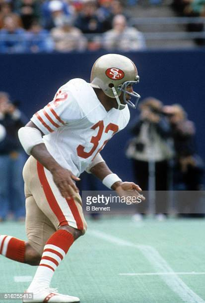 Simpson of the San Francisco 49ers runs on the field during an NFL game against the New York Giants on October 14, 1979 at Giants Stadium in East...