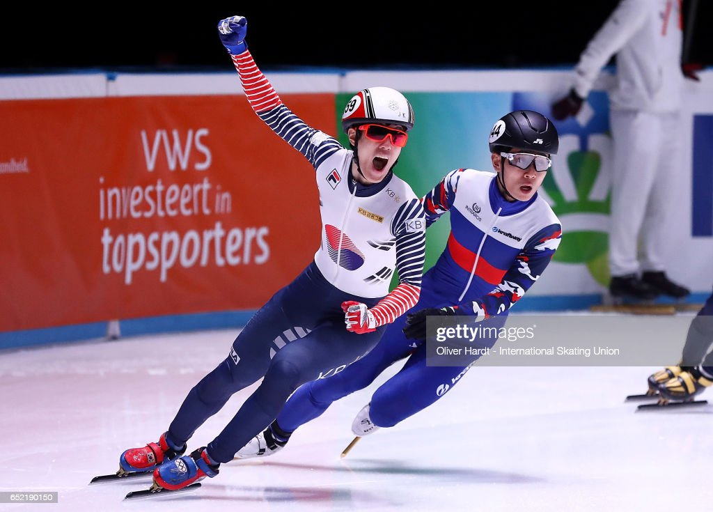 Sin da Woon of Korea competes during the Mens 1500m finals race during day one of ISU World Short Track Championships at Rotterdam Ahoy Arena on March 11, 2017 in Rotterdam, Netherlands.