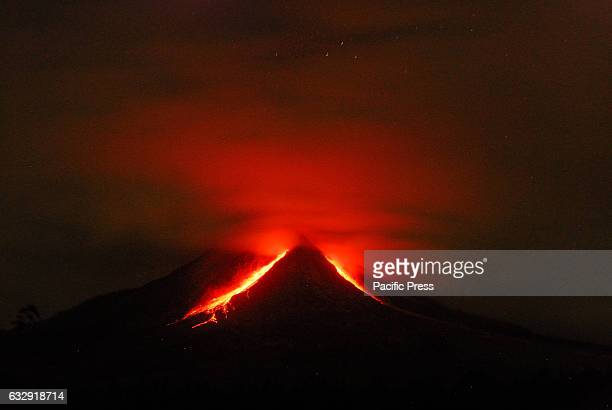 Sinabung volcano is in line with the pattern of growth of the lava dome in the past few days The issuing of volcanic material such as sand and fine...