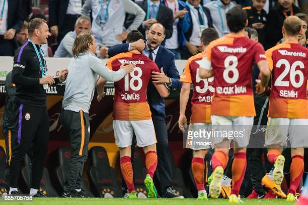 Sinan Gumus of Galatasaray celebrate his goal with coach Igor Tudor of Galatasarayduring the Turkish Spor Toto Super Lig football match between...