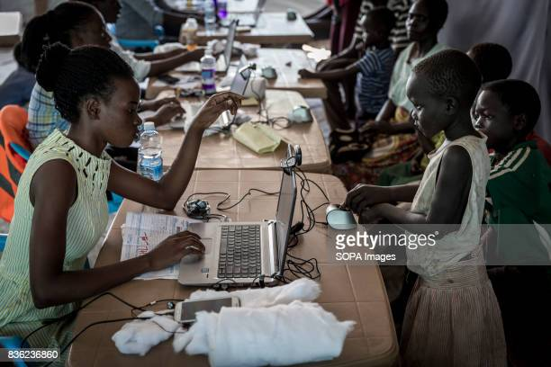 Since September 2016 Red Cross volunteers are proceeding to a biometric registration for the new refugees arrived The number of South Sudanese...