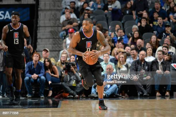 Sindarius Thornwell of the LA Clippers handles the ball against the San Antonio Spurs on December 18 2017 at the ATT Center in San Antonio Texas NOTE...