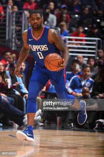 Sindarius Thornwell of the LA Clippers handles the ball during the game against the Memphis Grizzlies on November 4 2017 at STAPLES Center in Los...