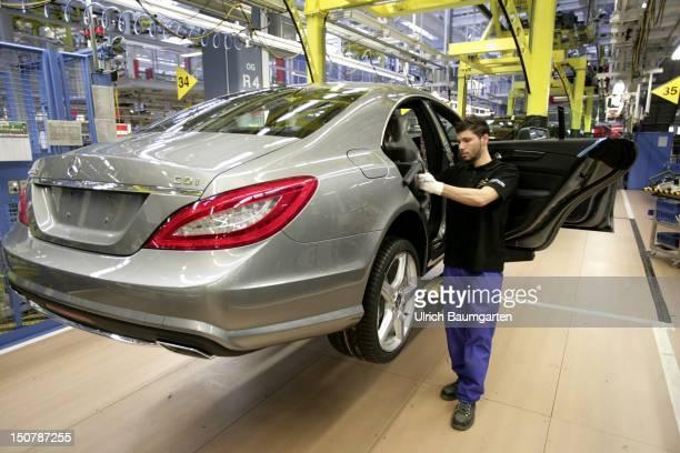 GERMANY Sindelfingen Daimler car production at the MercedesBenz plant in Sindelfingen CClass