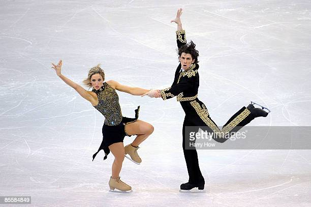 Sinead Kerr and John Kerr compete in the Compulsory Dance competition during the 2009 ISU World Figure Skating Championships on March 24 2009 at...