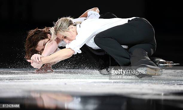 Sinead Kerr and John Kerr of Britain skate in the exhibition gala at Skate Canada International in Kingston Ontario Canada October 31 2010 AFP PHOTO...