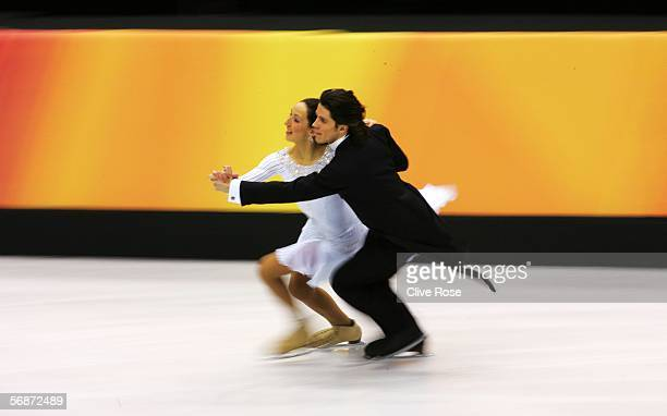 Sinead Kerr and John Kerr of Great Britain warm up before their performance in the compulsory dance program of the figure skating during Day 7 of the...