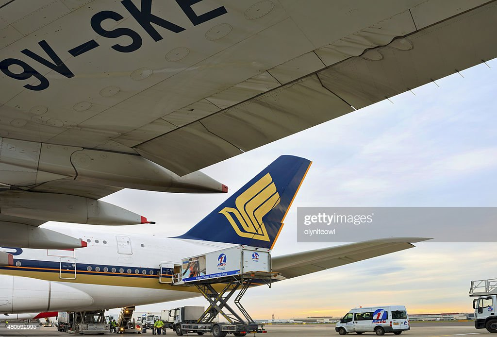 Singapore Airlines at Heathrow Airport : Stock Photo