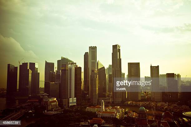 singapore city at sunset - izusek stock pictures, royalty-free photos & images