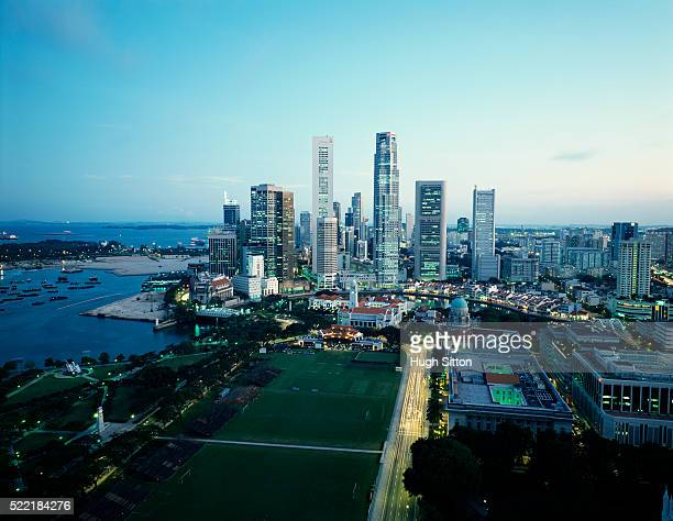singapore financial district. singapore. - hugh sitton stock-fotos und bilder