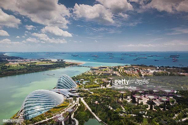 singapore, gardens by the bay, exterior - città di singapore foto e immagini stock