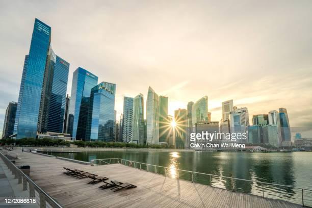 singapore marina bay financial center - marina bay singapur stock-fotos und bilder