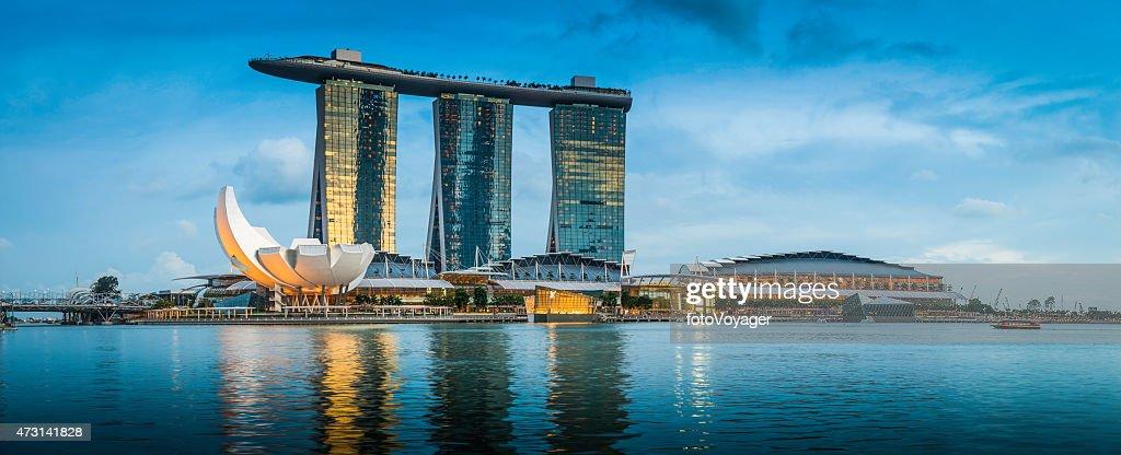 Singapore Marina Bay Sands iconic futuristic hotel resort panorama Asia : Stock Photo