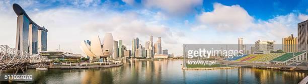 シンガポールマリーナベイサンズリゾートとコア高層ビルのダウンタウンのパノラマに広がる眺め