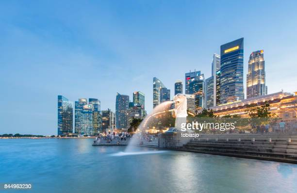 singapore merlion - merlion stock pictures, royalty-free photos & images