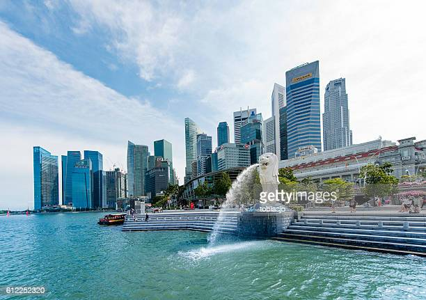 singapore merlion statue - merlion stock pictures, royalty-free photos & images