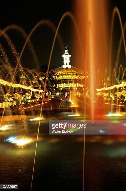 Singapore, Sentaosa Island, fountain gardens illuminated at night