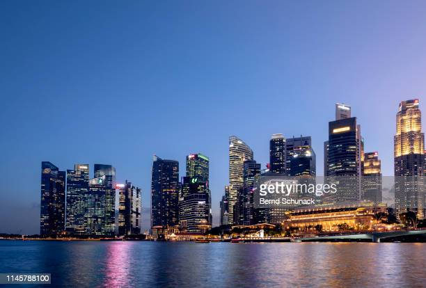 singapore skyline - bernd schunack stock pictures, royalty-free photos & images