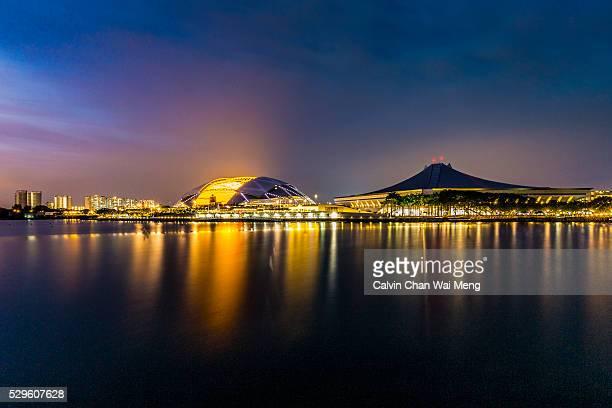 singapore sports hub and indoor stadium - singapore sports hub fotografías e imágenes de stock