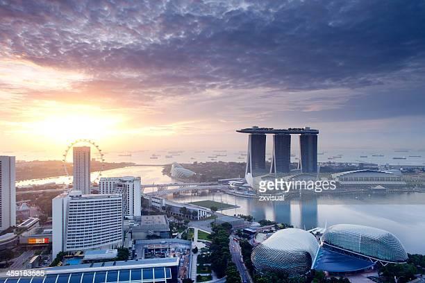 singapur sonnenaufgang - marina bay singapur stock-fotos und bilder