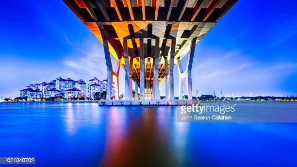 singapore, the merdeka bridge - south east asia stock pictures, royalty-free photos & images