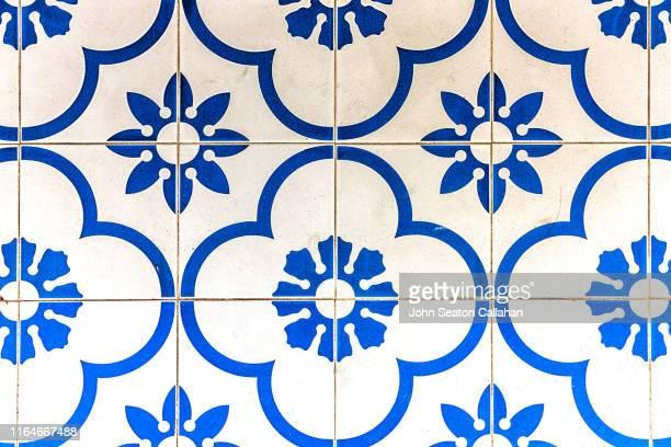 singapore, tile pattern - suelo embaldosado fotografías e imágenes de stock
