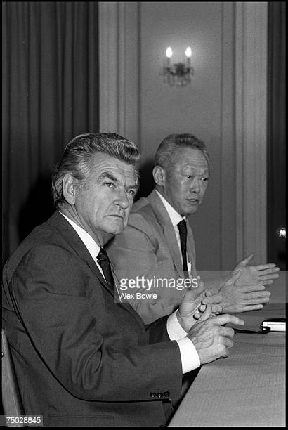 Singaporean Prime Minister Lee Kuan Yew and Australian Prime Minister Bob Hawke at a meeting in Singapore 22nd February 1984