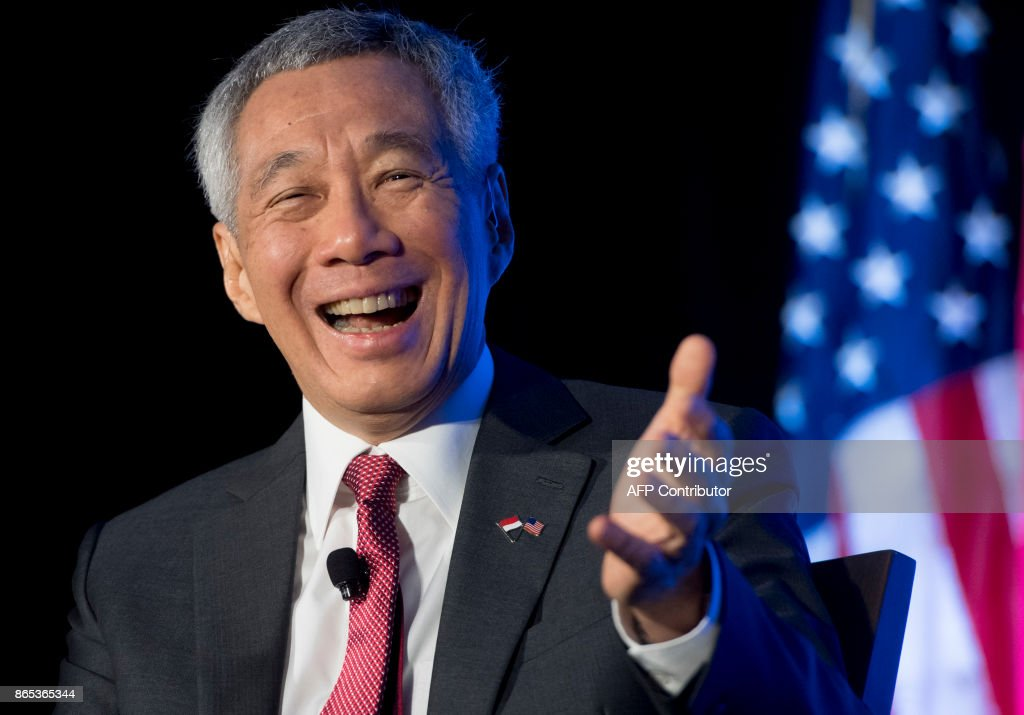 Singapore's Prime Minister Lee Hsien Loong speaks at the Economic Club of Washington in Washington, DC, October 23, 2017. /