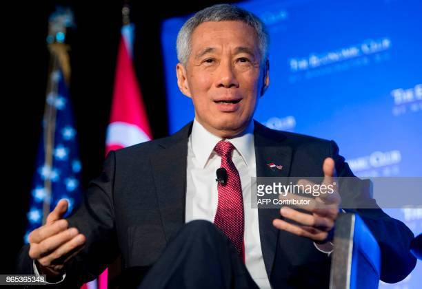 Singapore's Prime Minister Lee Hsien Loong speaks at the Economic Club of Washington in Washington DC October 23 2017 / AFP PHOTO / SAUL LOEB
