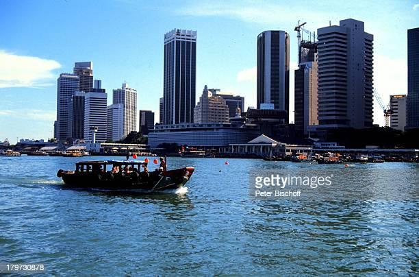 Singapur/Asien Reise SkylineWolkenkratzer Hochhaus Boot Meer
