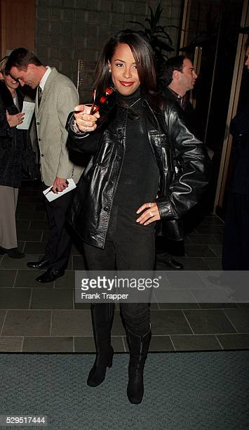 Singer Aaliyah arrives at the Samuel Goldwin Theater