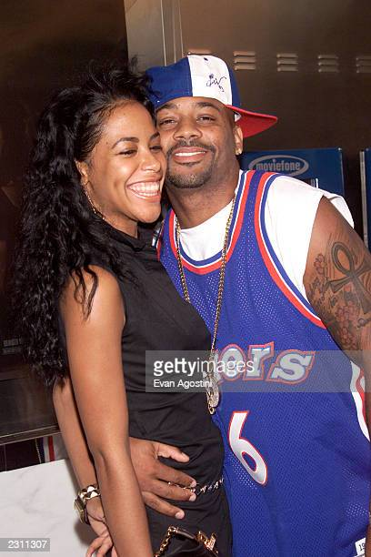 Singer Aaliyah with boyfriend Damon Dash arrive at the World Premiere of 'The Others' at the Paris Theater in New York City Photo Evan...