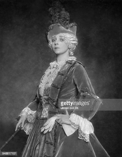 singer actress Austria *21031882 Portrait in the operetta 'Die Kaiserin' in the Metropoltheater Composer Leo Fall Published in 'Die Dame' 5/6/1915...