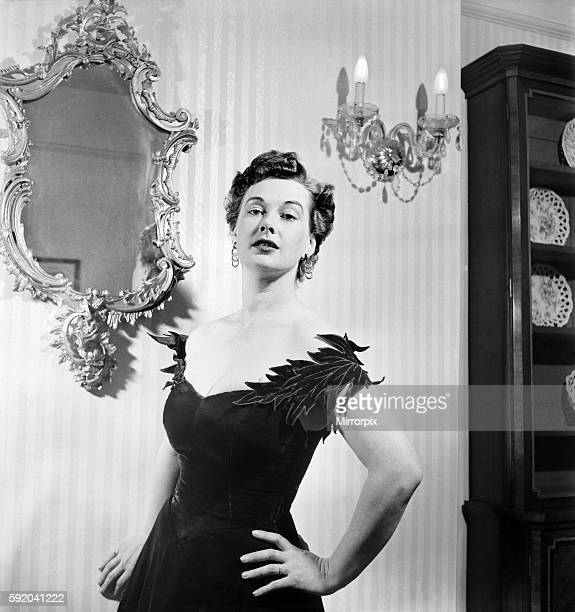 Singer / Actress Beatrice Campbell to star in The Master of Ballantree June 1952 C3052
