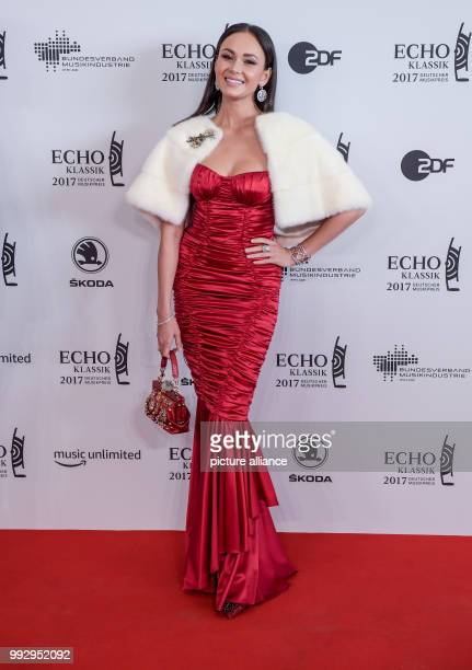 Singer Aida Garifullina arrives at the red carpet of the 'EchoKlassik' classical music award ceremony in Hamburg Germany 29 October 2017 Photo Axel...