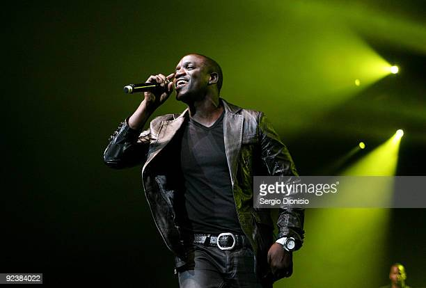 Singer Akon performs on stage at the Acer Arena on October 27 2009 in Sydney Australia