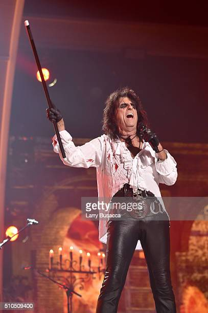 Singer Alice Cooper of Hollywood Vampires performs onstage during The 58th GRAMMY Awards at Staples Center on February 15 2016 in Los Angeles...