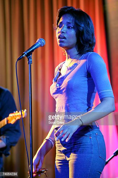 Singer Alice Smith performs at the ASCAP Tribeca Music Lounge held at the Canal Room during the 2007 Tribeca Film Festival on May 2 2007 in New York...