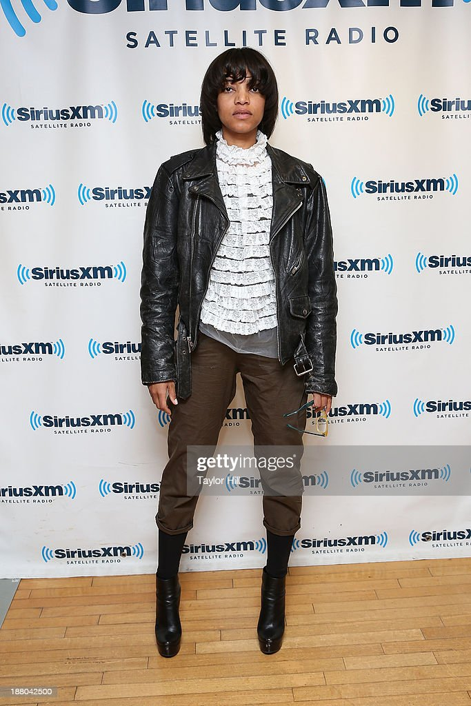 Singer Alice Smith visits the SiriusXM Studios on November 14, 2013 in New York City.