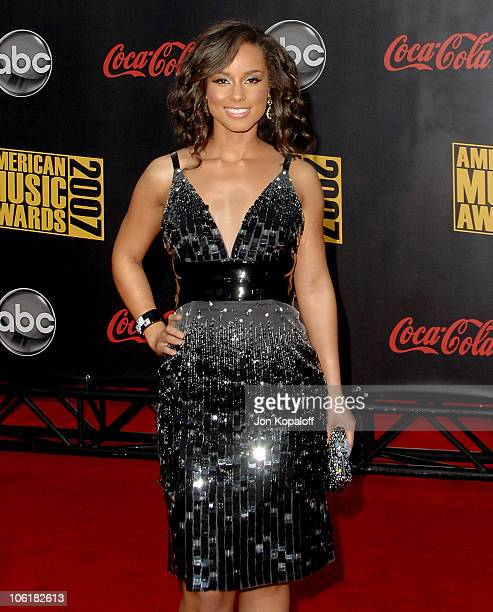 Singer Alicia Keys arrives at the 2007 American Music Awards at the Nokia Theatre on November 18 2007 in Los Angeles California