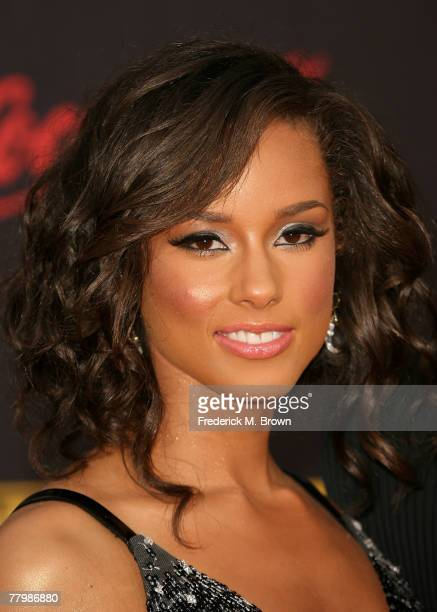 Singer Alicia Keys arrives at the 2007 American Music Awards held at the Nokia Theatre LA LIVE on November 18 2007 in Los Angeles California