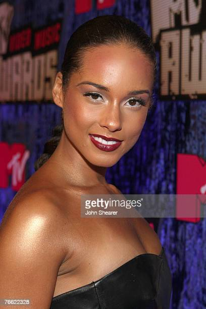 Singer Alicia Keys arrives at the 2007 MTV Video Music Awards at The Palms Hotel and Casino on September 9 2007 in Las Vegas Nevada