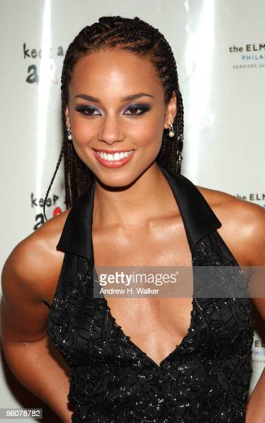 Singer Alicia Keys arrives at the Keep a Child Alive Annual Fundraiser 'The Black Ball' at Frederick P Rose Hall at Lincoln Center November 3 2005 in...