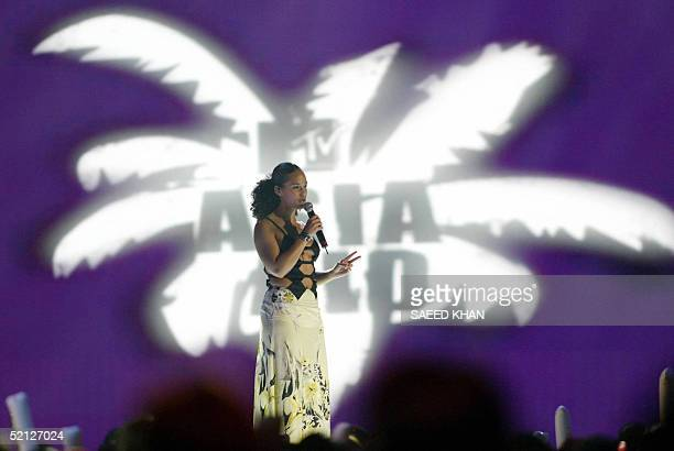 US singer Alicia Keys performs during the MTV Asia Aid concert in Bangkok 03 February 2005 MTV Asia hopes its starstudded tsunami relief concert...
