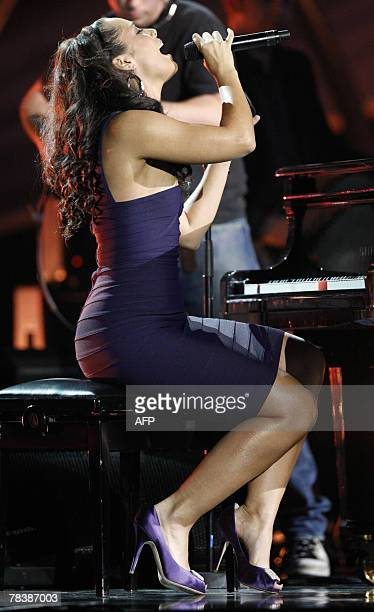 US singer Alicia Keys performs during the Nobel Peace Prize Concert in Oslo 11 December 2007 Artists from all over the world gathered at the Oslo...