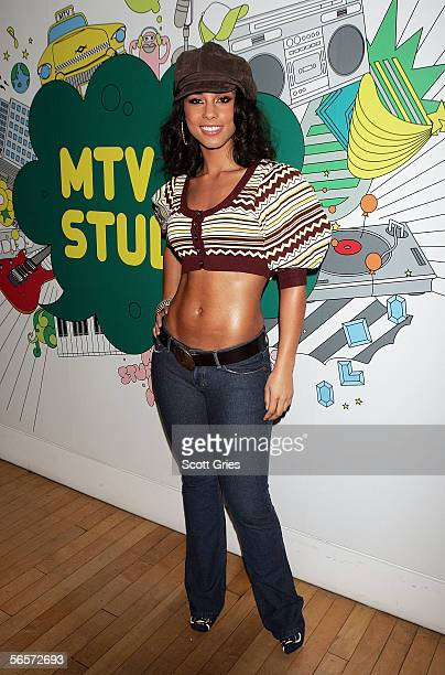 Singer Alicia Keys poses for a photo backstage during MTV's Total Request Live at the MTV Times Square Studios December 21 2005 in New York City
