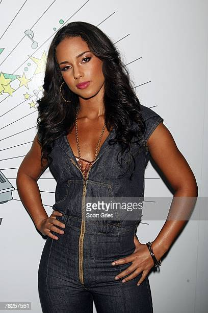 Singer Alicia Keys poses for a photo backstage during MTV's Total Request Live at the MTV Times Square Studios on August 20 2007 in New York City